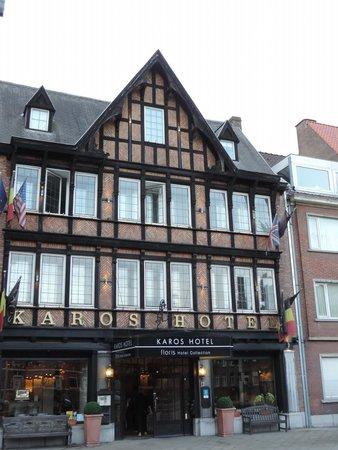 Floris Karos Hotel: facade de l'hotel