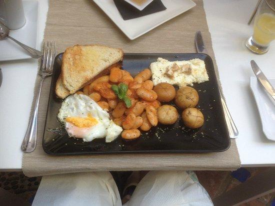 Yamas Restaurant: The Full Greekish ( minus sausage ! )