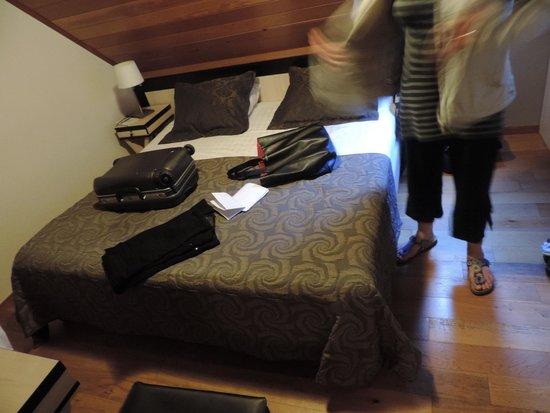 Floris Karos Hotel: chambre 254 mansardée