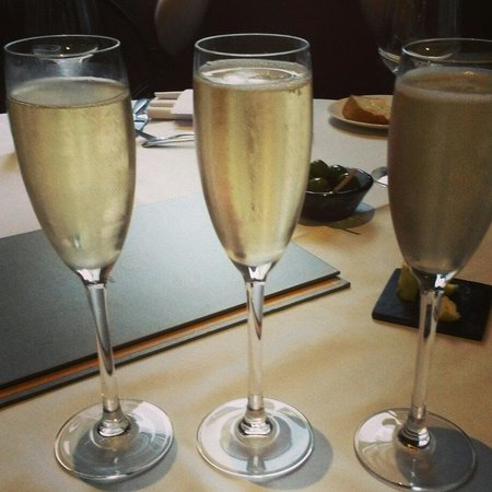 Christopher's: Champagne