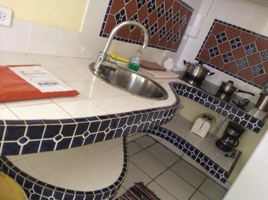 Posada Colonial: Kitchenette with beautiful tiling