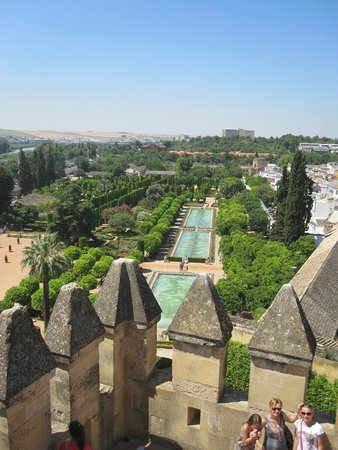 Alcázar de los Reyes Cristianos: Anuther view from the tower.