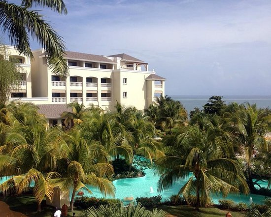 Iberostar Rose Hall Beach Hotel : Another show of the grounds