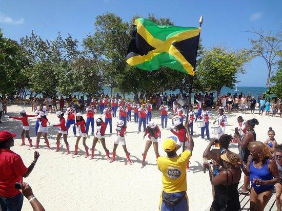Iberostar Rose Hall Beach Hotel : Celebrating Jamaica's Independence Day