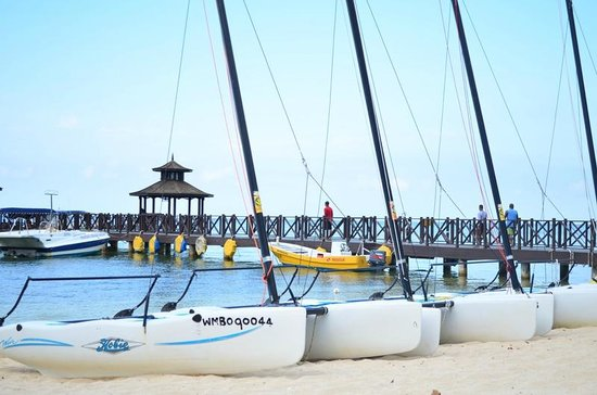Iberostar Rose Hall Beach Hotel: Some of the water activities