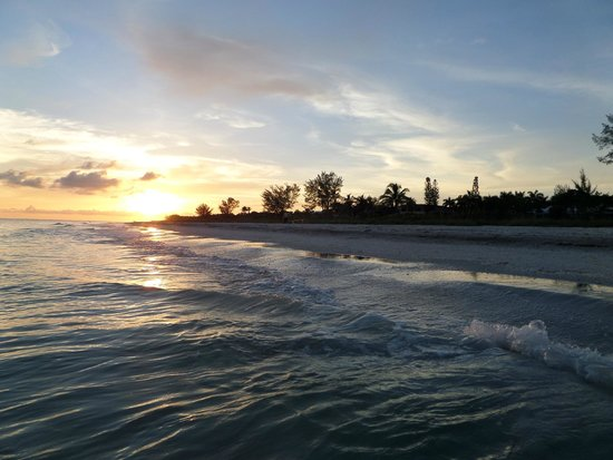 West Wind Inn: Sunset