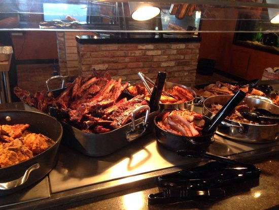 Copper Pig BBQ & Smokehouse : Buffet offerings