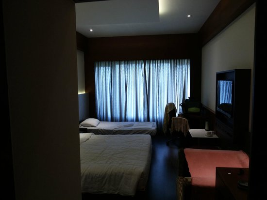 Diana Heights Luxury Hotel: View of Room I stayed