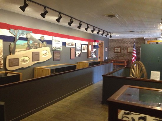 Fort Clinch State Park : Inside the museum