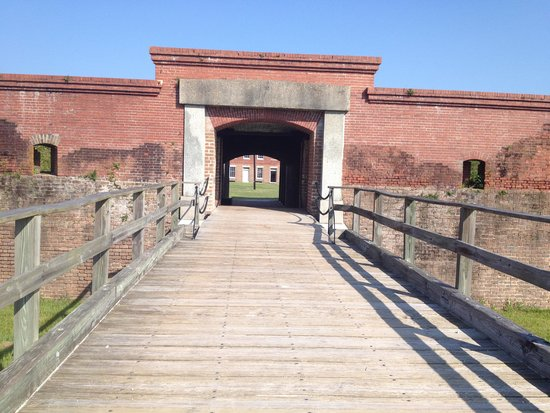 Fort Clinch State Park : Drawbridge to the fort