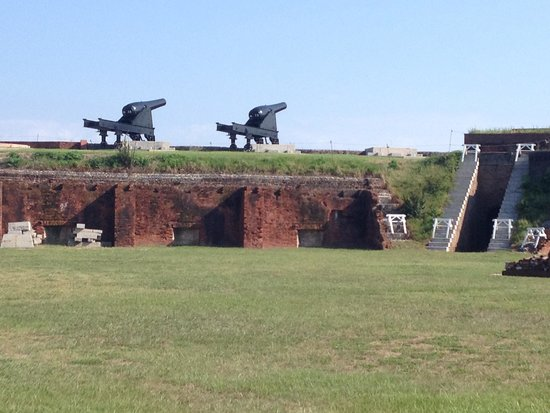 Fort Clinch State Park : Cannons on the fort walls