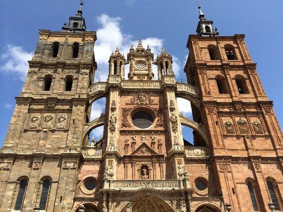 Catedral de Astorga: Fachada