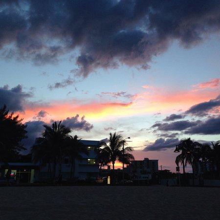 Las Olas Beach: Nice night