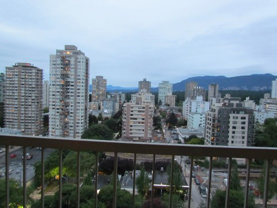 Coast Plaza Hotel & Suites: Zimmeraussicht