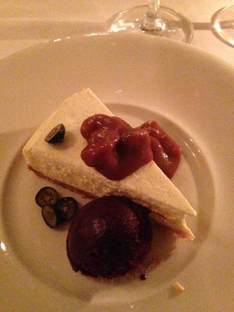 Hergetova Cihelna : Cheesecake with caramel sauce and blueberry sorbet
