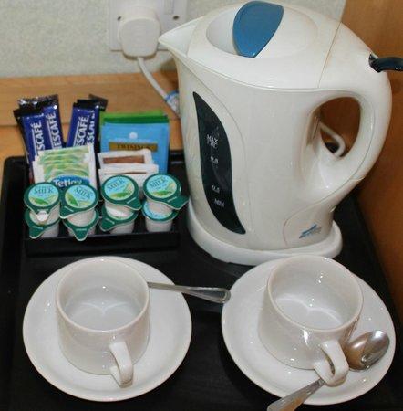 Champneys Springs Health Resort: tea/coffee making facility in room 76