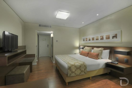 Hotel Deville Prime Porto Alegre: Apartamento Luxo