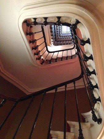 Ibis Styles Hôtel Paris Gare du Nord TGV : Stairs