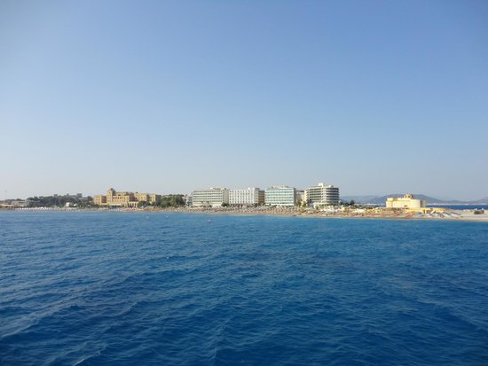 Aquarium View Hotel: View from the boat...