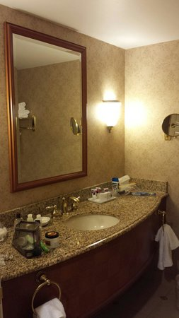 Harrah's Resort Atlantic City: Bathroom 932 Harbour tower