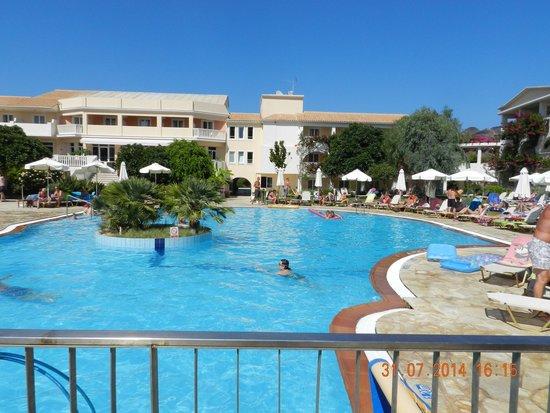 Bitzaro Grande Hotel: Pool 3