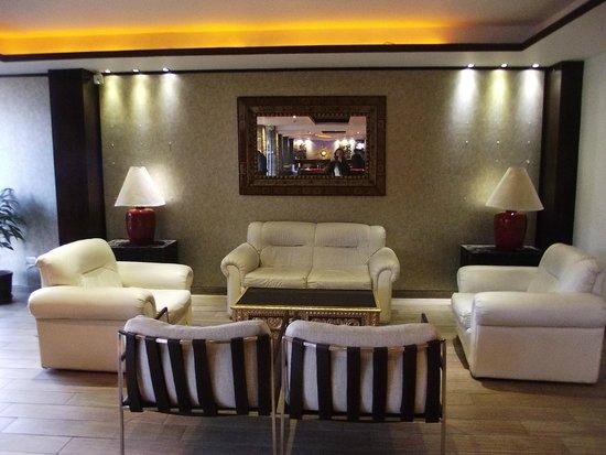 Sonesta Hotel Cusco : Outra sala de espera do Hotel.