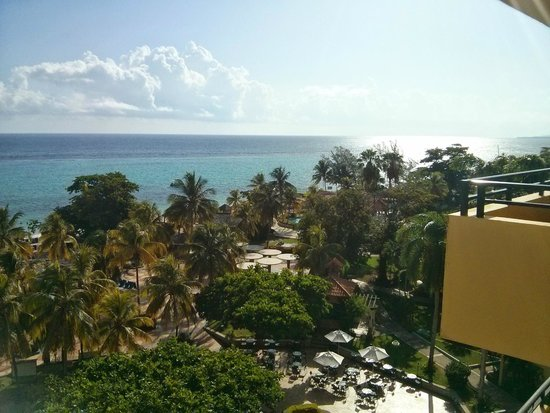 Jewel Dunn's River Beach Resort & Spa, Ocho Rios,Curio Collection by Hilton: View from our balcony