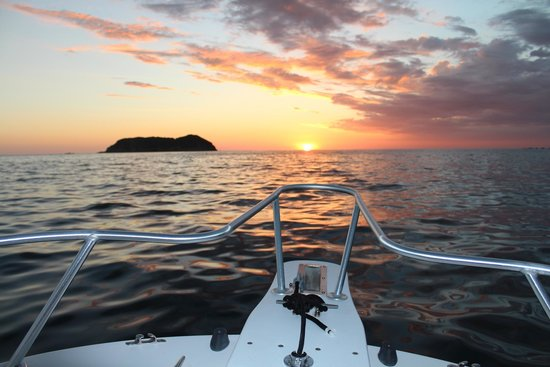 Tres Ninas Boat Rental & Coastal Tours: The Bow of the Dusky Boat on the Private Rental