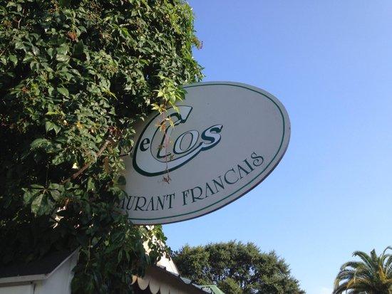 Le Clos: Front sign