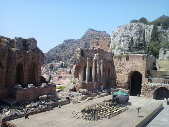 Greek Amphitheater : Ruinas