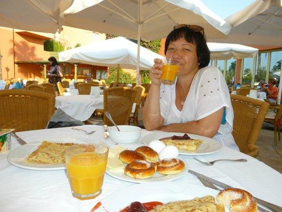Fantasia Hotel De Luxe : Завтрак