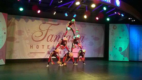 Fantasia Hotel De Luxe : Вечернее шоу