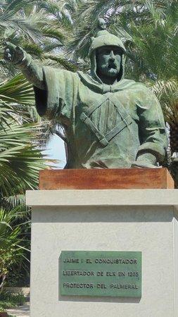 Jardín Artístico Nacional Huerto Del Cura: Statue