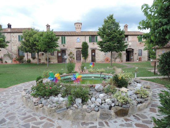 Holiday House Podere Pescia : Teren posesji