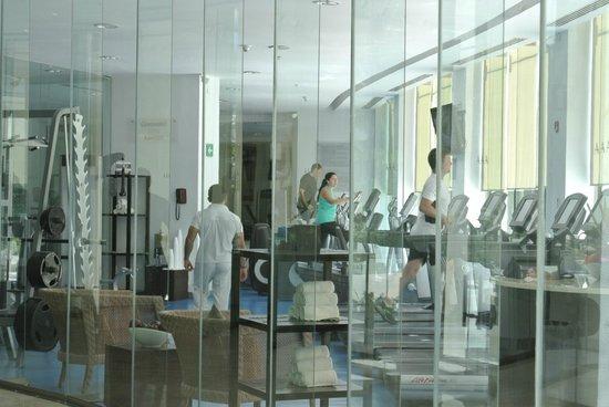 Live Aqua Beach Resort Cancun: Fitness area