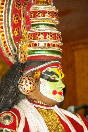 Kathakali: Le maquillage des acteurs est très ancré dans la tradition