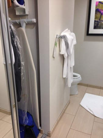 HYATT house Pittsburgh-South Side : the closet inexplicably in the bathroom