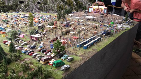 Miniatur Wunderland : ein Musikfestivalgelände (DJ Bobo)