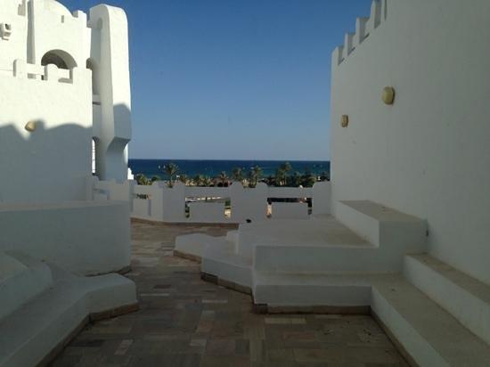 Lella Baya: Roof view