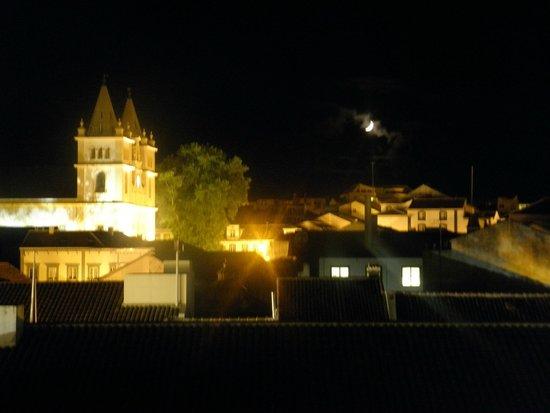 Azoris Angra Garden Plaza Hotel: Angra desde el balcon del hotel