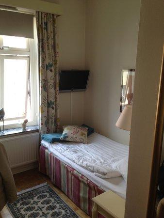Hotel Royal Gothenburg : Single room Bed