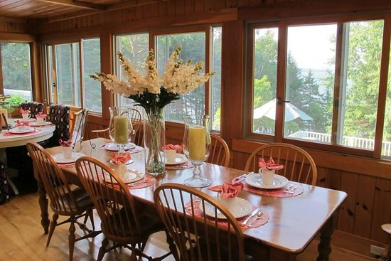 Inn at Bay Ledge : Dining room