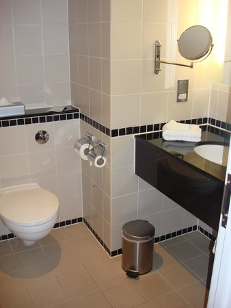 Radisson Blu Hotel, Durham: Bathroom