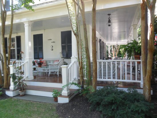 The Hob Knob: Front & side porch