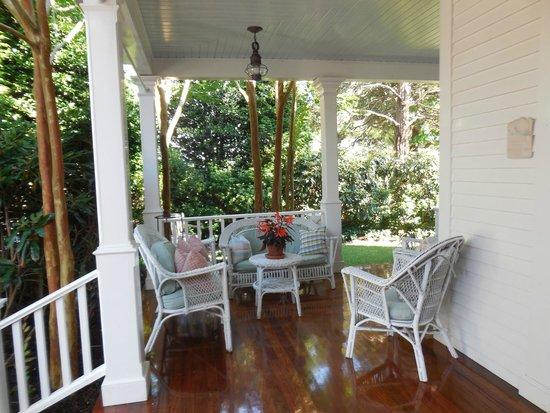 The Hob Knob: Front porch