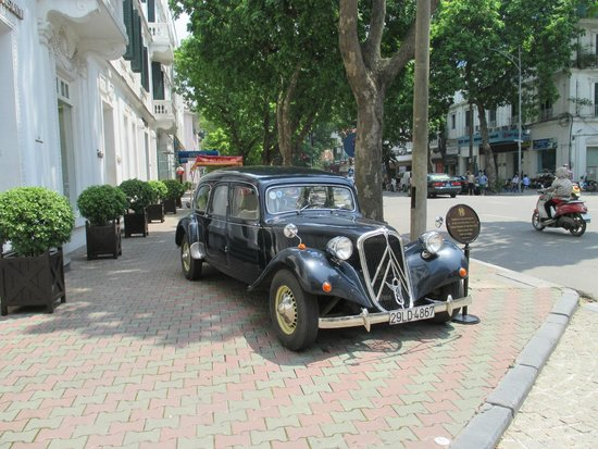 Anantara Hoi An Resort: You can hire this car for a tour of the city