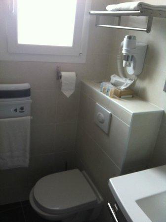 Grand Hotel Des Bains: WC et sèche cheveux