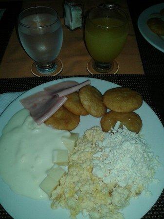Hesperia Playa El Agua: Desayuno riquísimo!!!