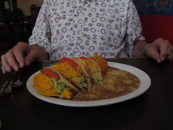 The Jalisco Cafe : Tom's delcious taco plate