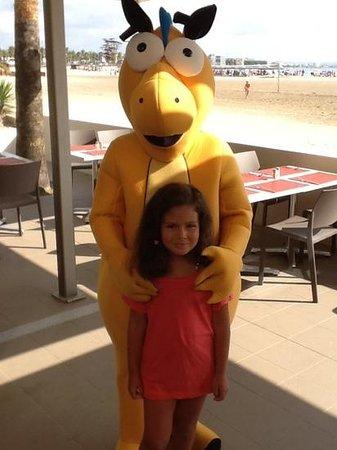Golden Donaire Beach Hotel : con Goldy, la mascota.